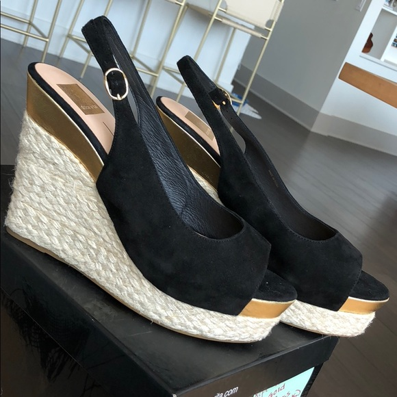 255d9f2a40d5 Dolce Vita Suede wedges